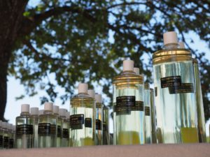 lavender-oil-1521779_1920
