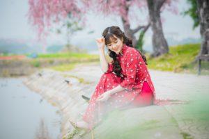 girl-4809434_1920